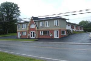 small-hotel-39-units-or-less-motel-le-refuge-258178517